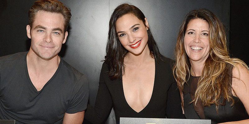 Chris Attends Warner Bros. 'Wonder Woman' Signing at Comic-Con